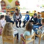 Die zukünftige Lehrerin besucht unsere Vorschulkinder